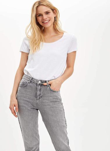DeFacto Pis Yakalı Kısa Kollu T-shirt Beyaz